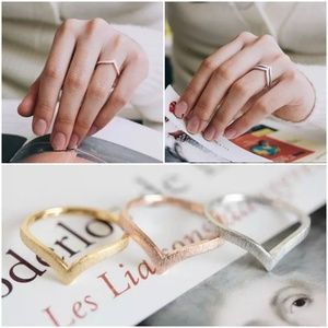 Jewelry - Simple Chevron V Shape Rings